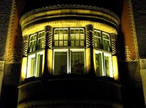 Szecessziós épület ablakai